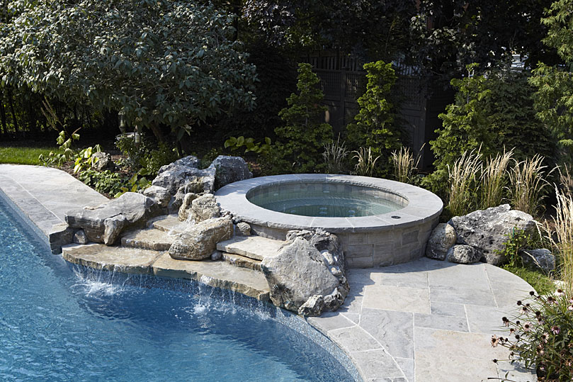 Custom Hot Tub - Solda Pools Toronto