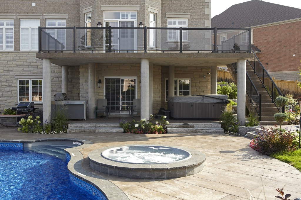 Solda Pools- Toronto Pool Builder - spa